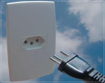 Tomada elétrica padrão 3 pinos de acordo com a NBR 14136